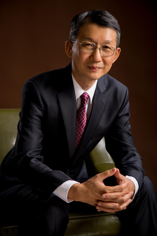 孫易新博士